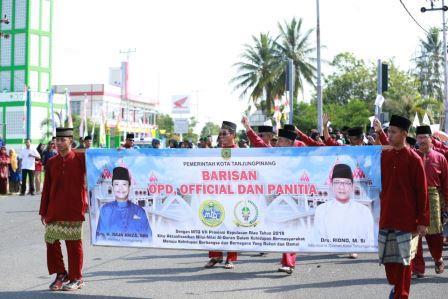 Kafilah Kota Tanjungpinang Ramaikan Pawai Ta'aruf MTQ ke 7 Provinsi Kepri