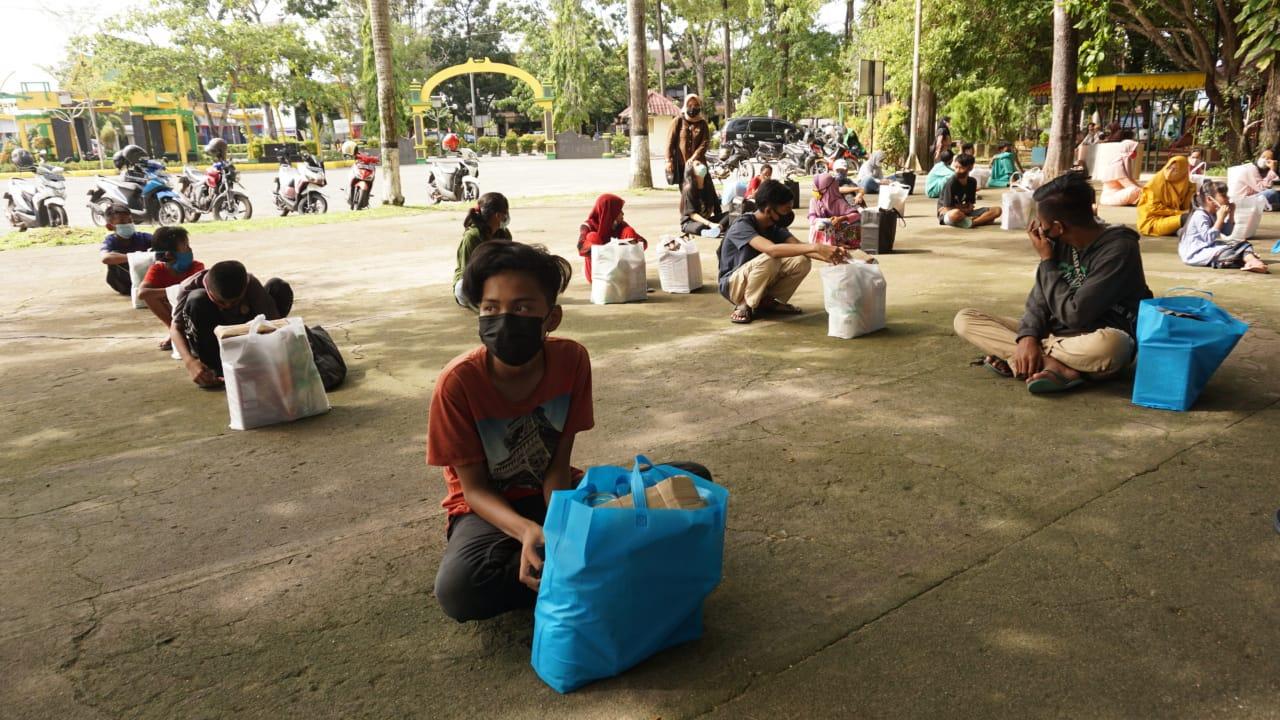 Paket Bahan Makanan Pemko Tanjungpinang Sentuh Anak Jalanan