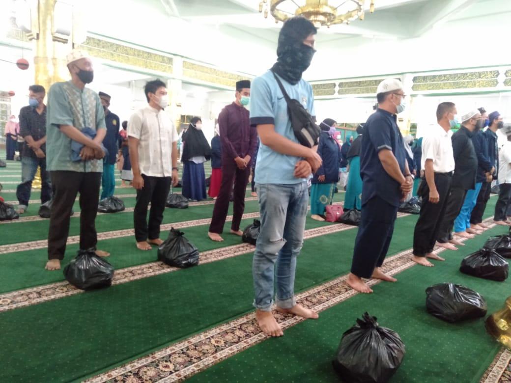 180 Mualaf Terima Zakat dari ASN Pemko Tanjungpinang