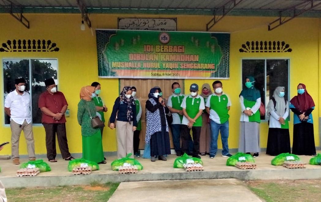 Berbagi Berkah Ramadan, IDI Tanjungpinang Tebar Paket Sembako untuk Warga